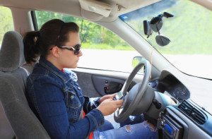 Teen Texting & Driving: A Comprehensive Guide For Parents